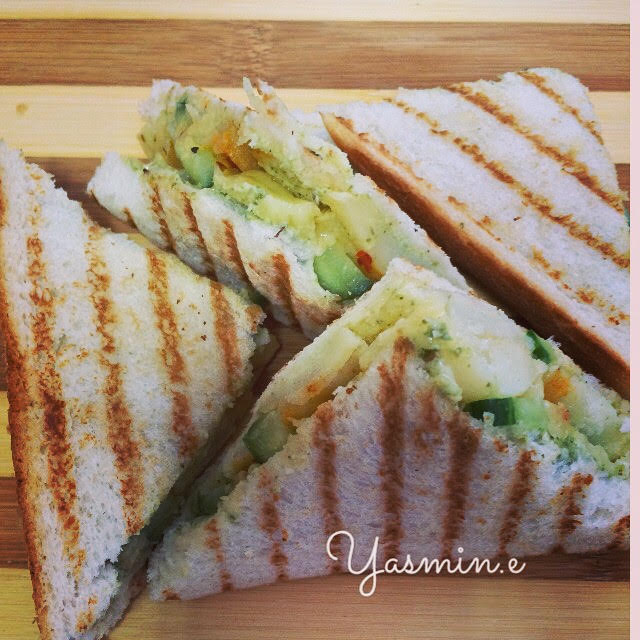 Pesto Potato Sandwiches