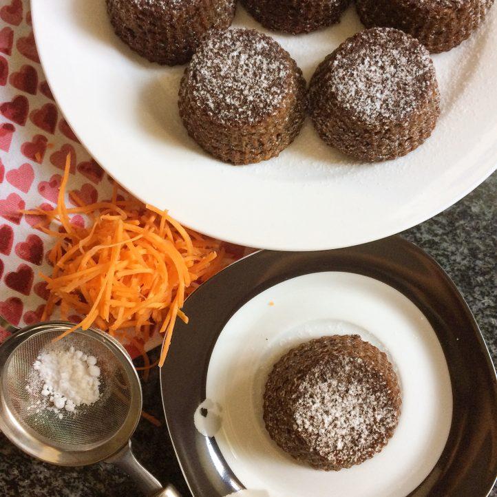 Mini Banting Carrot Cakes